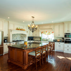 Traditional Kitchen by Rudloff Custom Builders