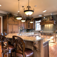 Traditional Kitchen by Derrick Architecture