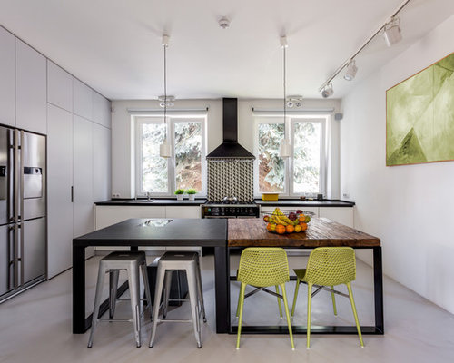 Top 30 Kitchen with Black Appliances Ideas & Remodeling Photos | Houzz