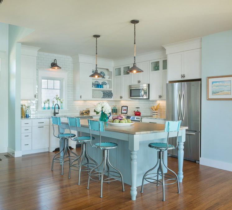 Beach Style Kitchen by Caldwell & Johnson Custom Builders & Remodelers