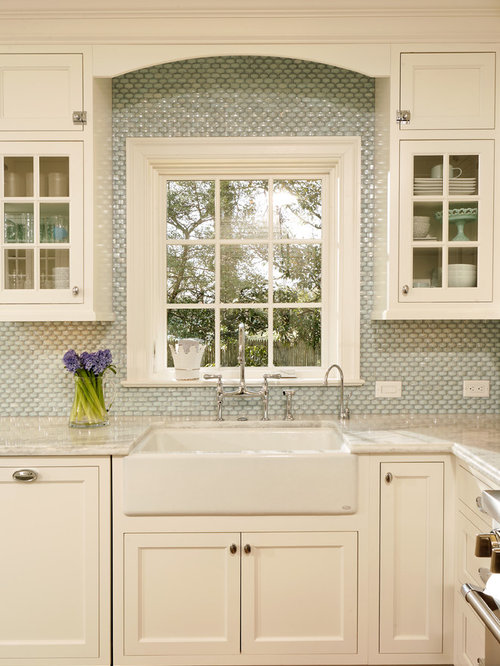 Merveilleux Kitchen   Traditional Kitchen Idea In DC Metro With Shaker Cabinets, Mosaic  Tile Backsplash,