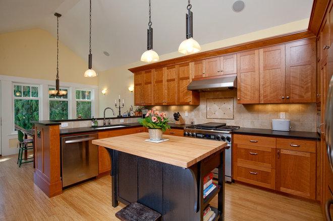 Craftsman Kitchen by Ventana Construction LLC