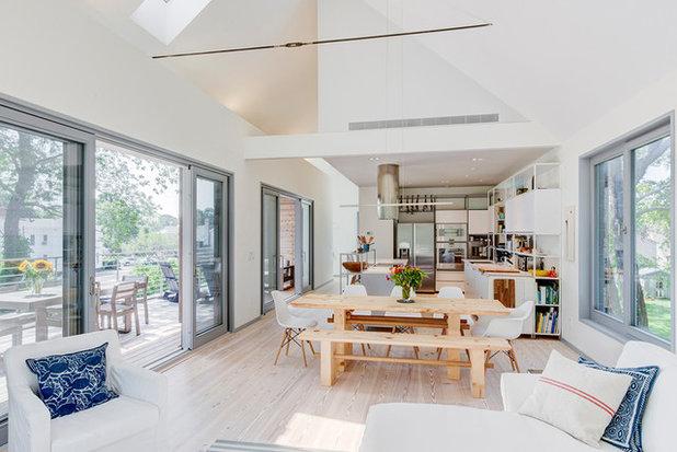 Modern Kitchen by The Turett Collaborative