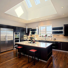 modern kitchen by Greenside Design Build LLC