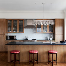 Contemporary Kitchen by GSW Cabinetry Inc.