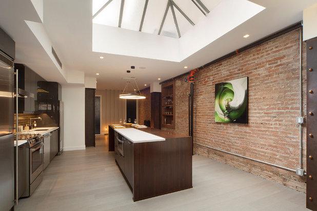 Modern Kitchen by YZDA | Yoshida + Zanon Design Atrium