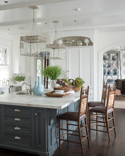 Traditional Kitchen by Douglas VanderHorn Architects