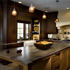 Traditional Kitchen by Da Vinci Remodeling, LLC