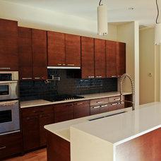 Modern Kitchen by Greico Designers/Builders Dallas