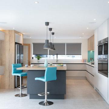 Grey and Oak handeless moden kitchen