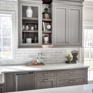 Transitional kitchen designs - Example of a transitional kitchen design in New York
