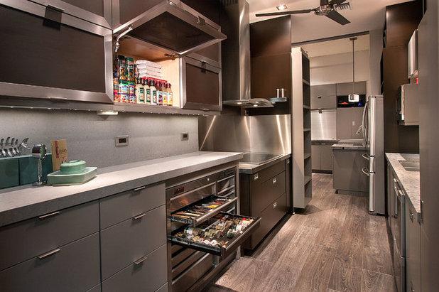 Современный Кухня by LaPierre Cabinetry, Inc.