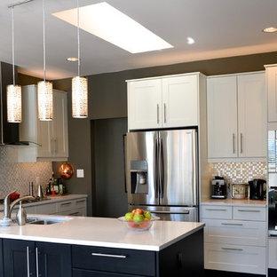 Open Concept Kitchen Mid Sized Contemporary U Shaped Medium Tone Wood Floor