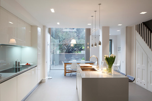 Contemporary Kitchen by Cross Harris Architects