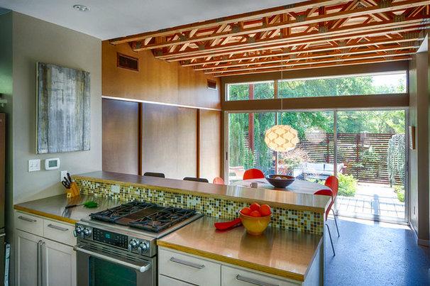Contemporary Kitchen by A.GRUPPO Architects - Dallas