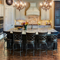 Traditional Kitchen by JL Linder Group