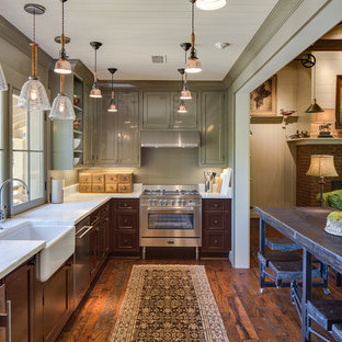 75 Most Popular Farmhouse Kitchen with Brown Cabinets ...