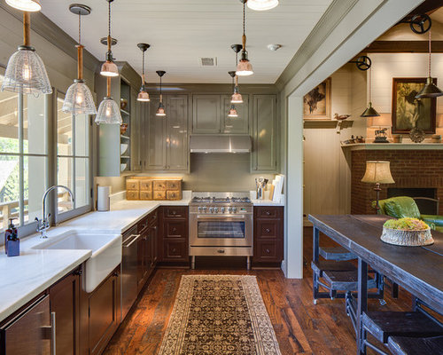 10 Best Farmhouse Kitchen with Brown Cabinets Ideas Decoration