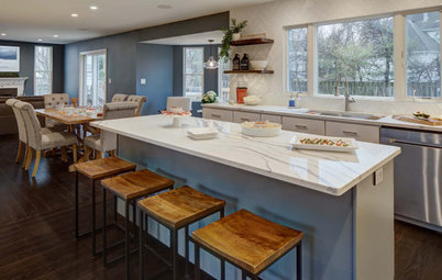 Kitchen of the Week: Ready for Cooking, Music and Game Nights