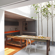 Modern Kitchen by Denilson Machado - MCA Estudio