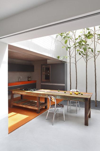 Modern Kitchen by Denilson Machado - MCA Estudio