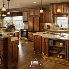 Traditional Kitchen by Creative Custom Renovations