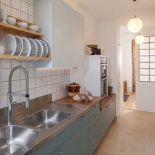 kitchen sink against wall