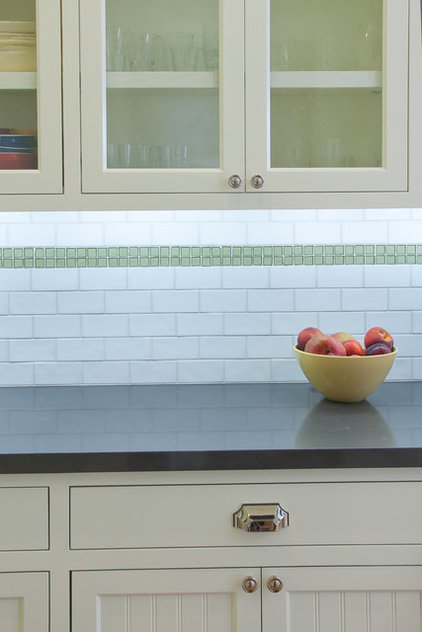 Contemporary Kitchen by Mascheroni Construction