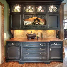 Traditional Kitchen by Janine Terstriep/The Decorative Touch Ltd