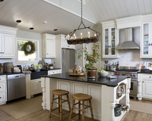 decorating kitchen islands kitchen island decorating houzz 11347