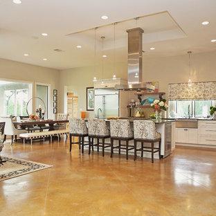 Contemporary kitchen photos - Inspiration for a contemporary kitchen remodel in Austin