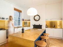 Alte Küche aufpeppen: So kann man alte Küchenschränke neu gestalten