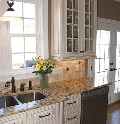 Hampton Linen Cabinets