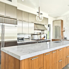Modern Kitchen by MKL Construction Corp.