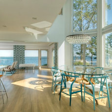 Beach Style Kitchen by David Howell Design