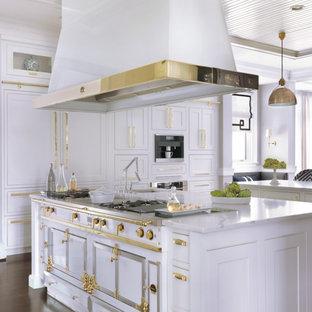 Hamptons-Inspired Frontenac Residence