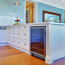 Traditional Kitchen by Impala Kitchens and Bathrooms