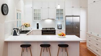 Hamptons kitchen with a black twist