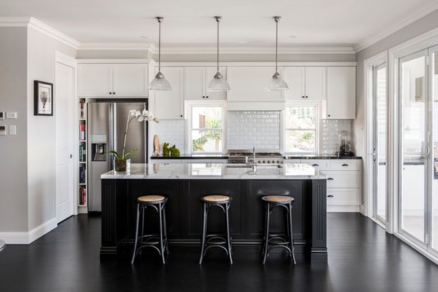 Disappearing range hoods a new trend for Hampton style kitchen stools