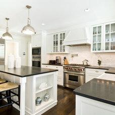 Beach Style Kitchen by Hamptons Habitat Enterprises Corp.