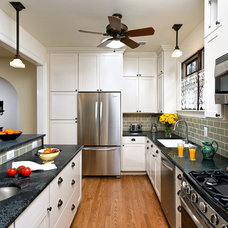 Traditional Kitchen by SAI Contracting