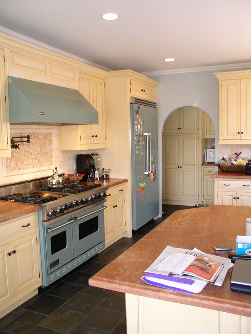 kitchen design ideas renovations photos with coloured appliances