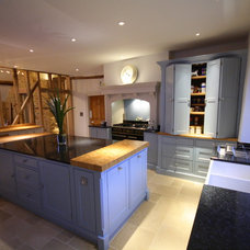 Traditional Kitchen by Heaven & Stubbs Bespoke Furniture Ltd