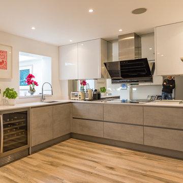 Handleless Kitchen Concrete and Satin Grey