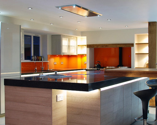 Kitchen design ideas renovations photos with black for Kitchen design uckfield