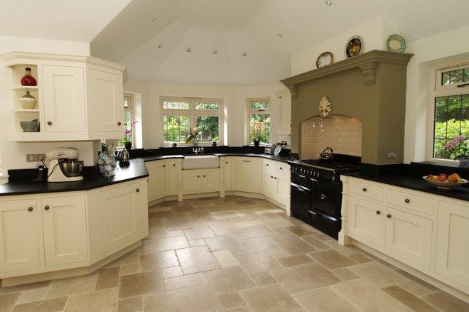 Traditional Kitchen by Austin Matthews Design