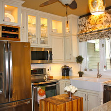 Traditional Kitchen by Hanging In Style Designs