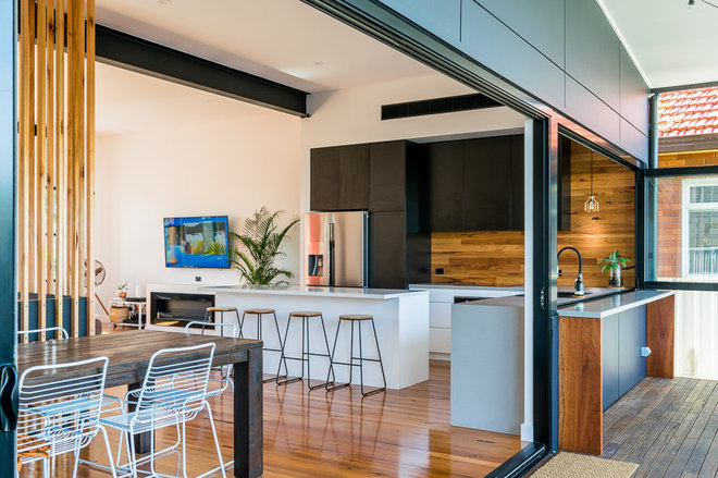Contemporary Kitchen by Be Inspired Kitchens