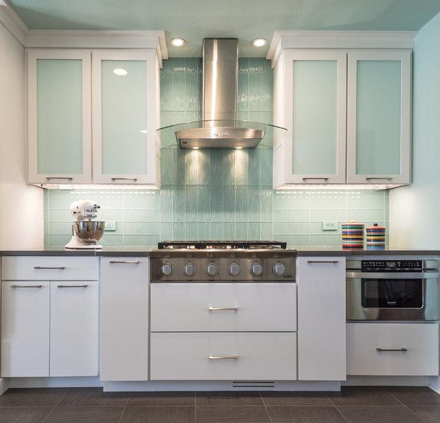 Modern Kitchen by NEXT Project Studio