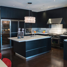 Contemporary Kitchen by JS Photography